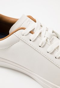 Burton Menswear London - DALE - Sneakers laag - white - 5