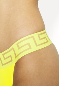 Versace - THONG - String - sunset yellow - 4