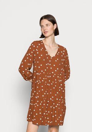 V NECK BABYDOLL DRESS - Day dress - brown