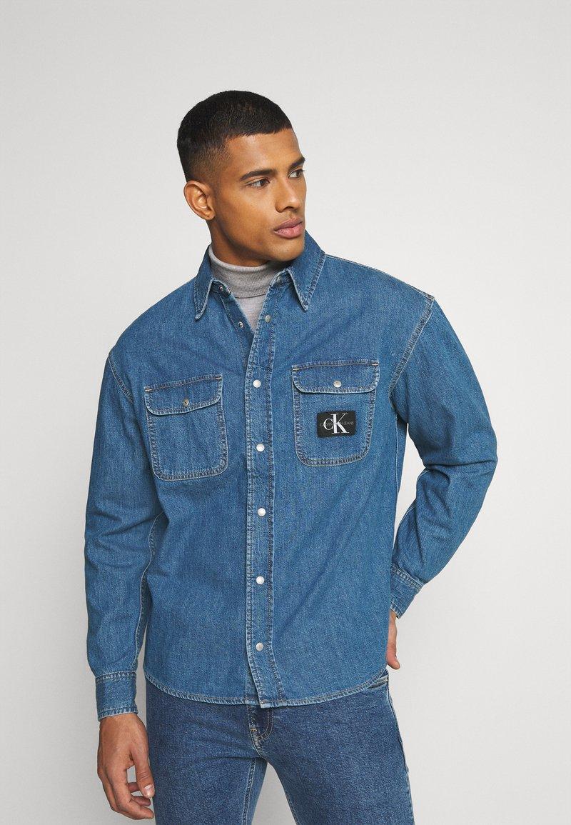 Calvin Klein Jeans - OVERSIZED SHIRT - Overhemd - mid blue