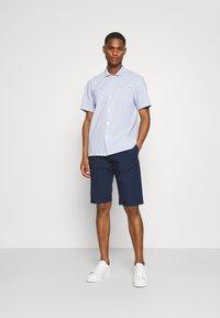 TOM TAILOR - LIGHTWEIGHT - Shorts - sailor blue - 1