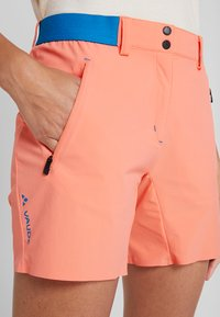 Vaude - SCOPI SHORTS II - Sports shorts - pink canary - 3