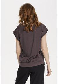 Saint Tropez - ADELIA - Basic T-shirt - huckleberry - 2