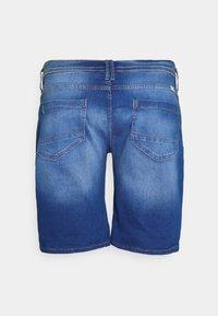 Blend - SCRATCHES - Denim shorts - clear blue - 1