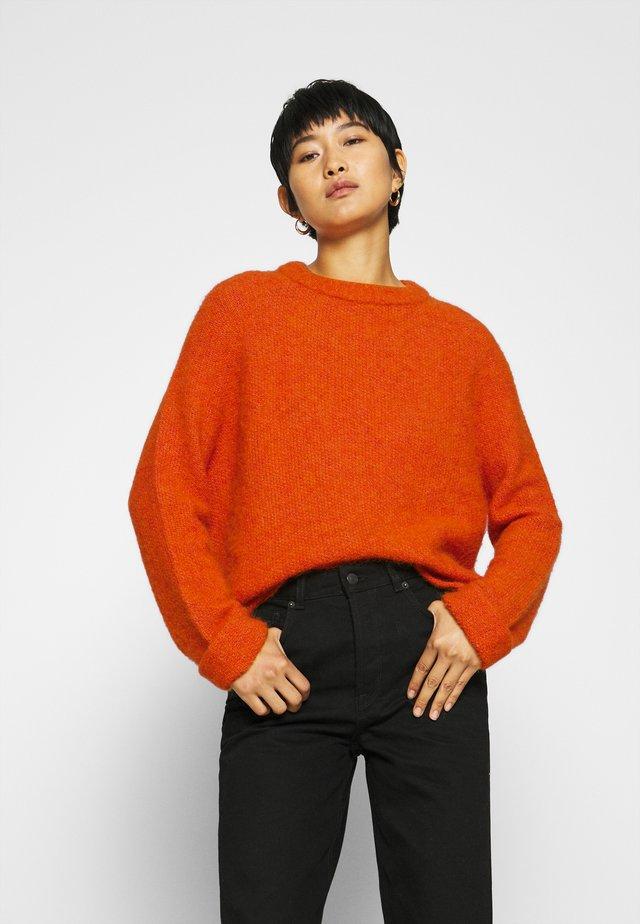 EAST - Pullover - orange