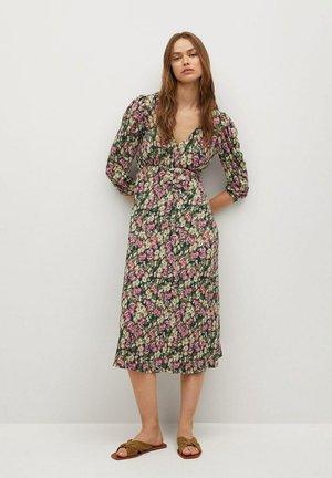 Denní šaty - aardbeirood