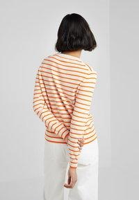 CHINTI & PARKER - LEMON - Neule - cream/true orange/multi - 2