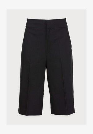ZELLAIW BERMUDA - Shorts - black