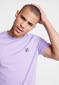 Fila - SEAMUS TEE - T-shirt med print - violet tulip - 3