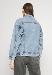 Levi's® - DAD TRUCKER - Giacca di jeans - old story - 2