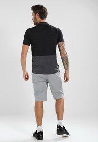Vaude - TAMARO - T-shirt imprimé - iron - 2