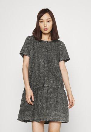 NMEMILIA DRESS - Denní šaty - medium grey denim