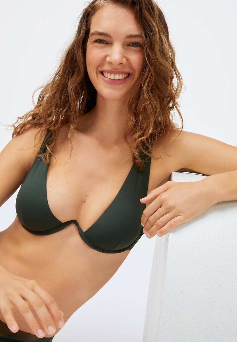 OYSHO - Bikini top - evergreen