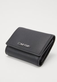 Calvin Klein - MUST TRIFOLD - Wallet - black - 6