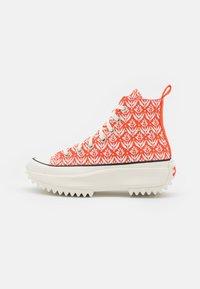 Converse - RUN STAR HIKE - Sneakers hoog - bright poppy/egret/black - 1