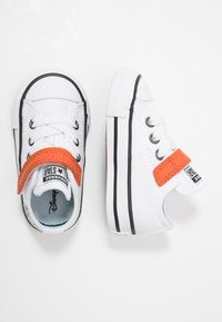 Converse - CHUCK TAYLOR ALL STAR FROZEN - Sneakers basse - white/illusion blue/campfire orange - 1