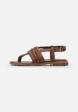 GRAM - Sandály s odděleným palcem - penny