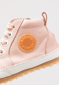 Robeez - MIGO - First shoes - light pink - 2