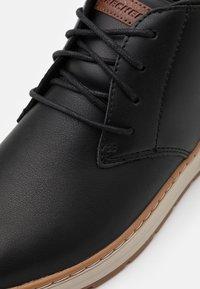 Skechers - EVENSTON - Casual lace-ups - black - 5