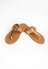 Les Bagatelles - ROSHEEN - T-bar sandals - gold - 1