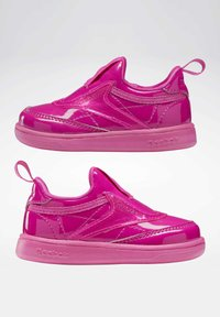 Reebok Classic - CLUB C SLIP ON III FOUNDATION TENNIS - Sneakers laag - pink - 3