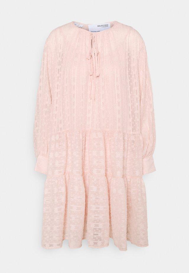 SLFMUNI AMAYA DRESS - Korte jurk - peach whip
