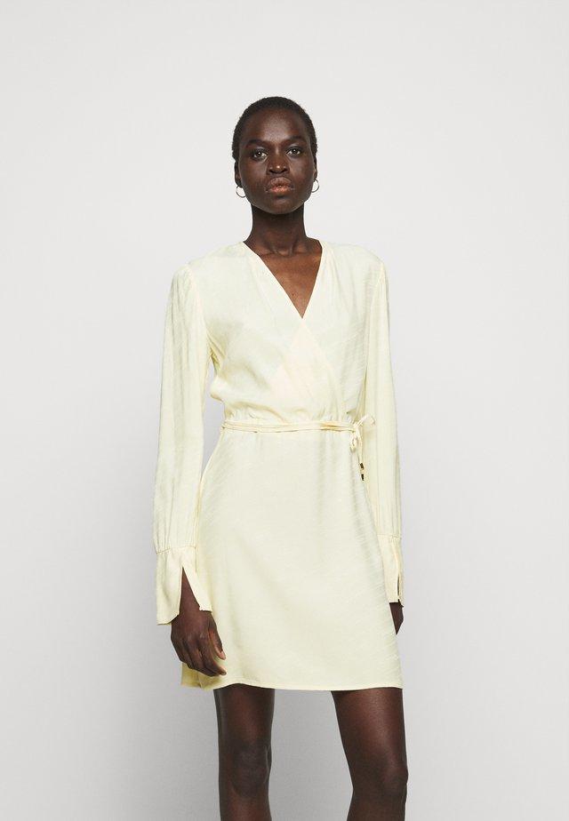 ABITO  - Korte jurk - limestone yellow
