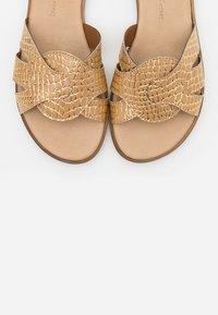Tata Italia - Pantofle - biscotto - 5