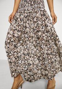 Bec & Bridge - FORBIDDEN FORREST SKIRT - Maxi skirt - black/pink - 4