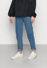 Missguided Maternity - RIOT COMFORT STRETCH - Jeans Tapered Fit - black - 0