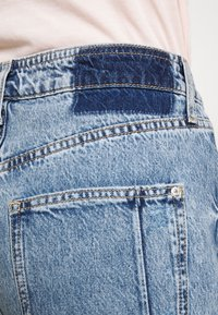 River Island - Relaxed fit jeans - mid auth - 4