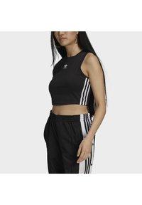 adidas Originals - ADICOLOR FITTED - Top - black - 3