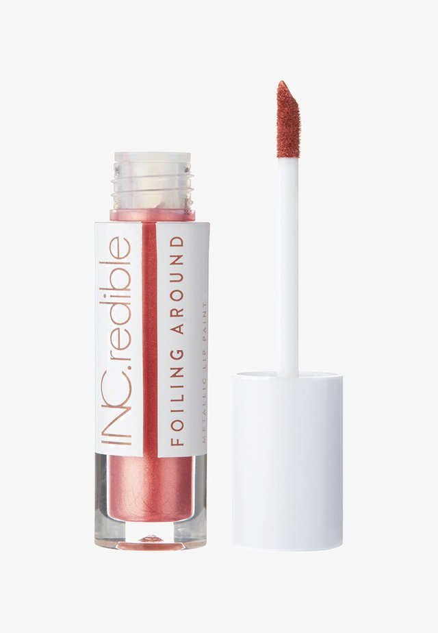 INC.REDIBLE FOILING AROUND METALLIC LIP PAINT - Vloeibare lippenstift - 10074 kissing strangers