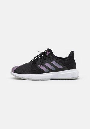 GAMECOURT - Tennisschoenen voor alle ondergronden - core black/grey two