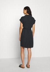 Noisy May - NMVERA ENDI DRESS - Skjortekjole - black - 2