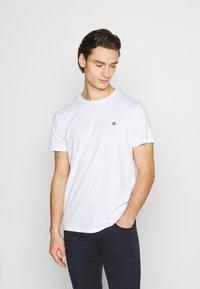 Jack & Jones - JORTIMES TEE CREW NECK 5 PACK - Basic T-shirt - dark blue/black/white/light grey/khaki - 5