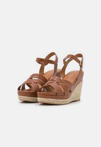 Divine Factory - Platform sandals - camel - 2