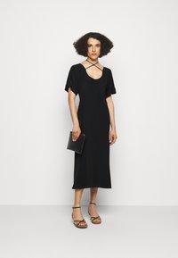 Victoria Beckham - TIE DETAIL SHORT SLEEVE  - Day dress - black - 1