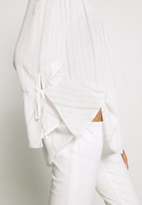 Esprit - FINE - Bluse - off white - 5