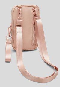s.Oliver - Across body bag - blush - 5