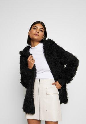 ONLMELANIE HOOD JACKET - Winter coat - black