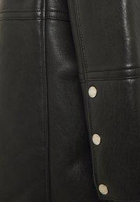 Be Edgy - BEJORDAN - Klasický kabát - black - 2