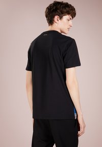 Versace Collection - T-shirt med print - black - 2