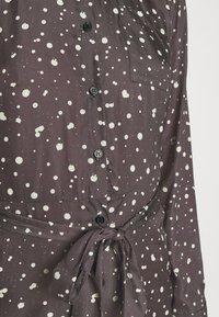 NU-IN - BELTED DRESS - Maxi dress - dark grey - 7