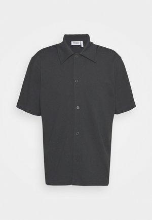 PASS SHORTSLEEVE - Shirt - off black