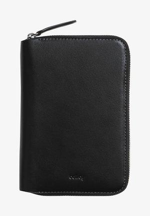 TRAVEL FOLIO - Passport holder - black