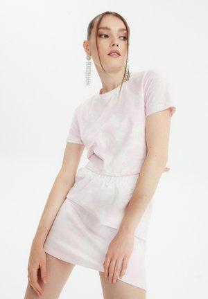 SET - sukňa v tvare A - pink