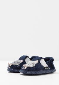 Nanga - ARISTOKITTY - Domácí obuv - dunkelblau - 3