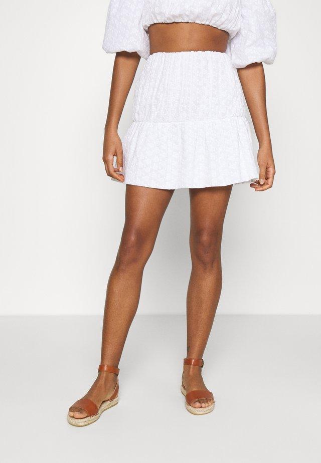EMBROIDERED MINI SKIRT - Spódnica mini - white