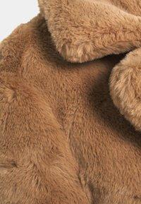 New Look - WINNIE - Veste d'hiver - camel - 2